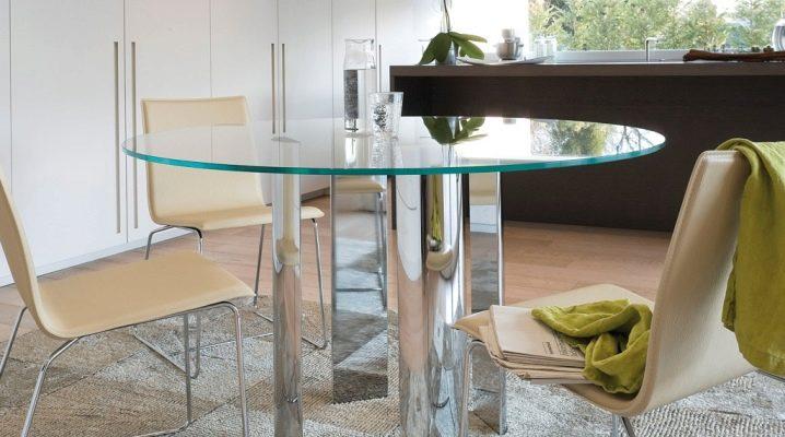 Кръгли стъклени маси - модерни мебели в интериора на стаята