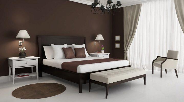Vi väljer gardiner för brun tapeter