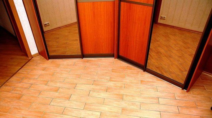 Golvet i korridoren: välj täckning