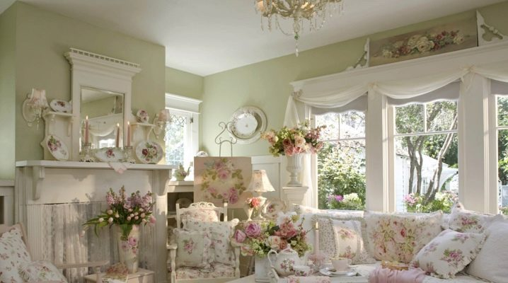Romance of Provence: French-style apartment interior