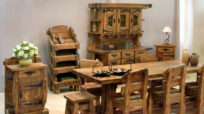 Tables of solid pine in the interior
