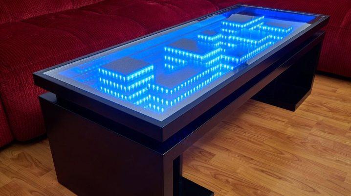 Tables éclairées à l'intérieur
