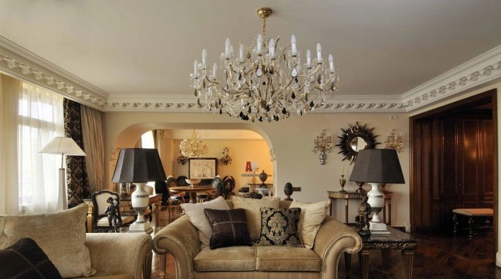 Interior design in a classic style: choose a chandelier