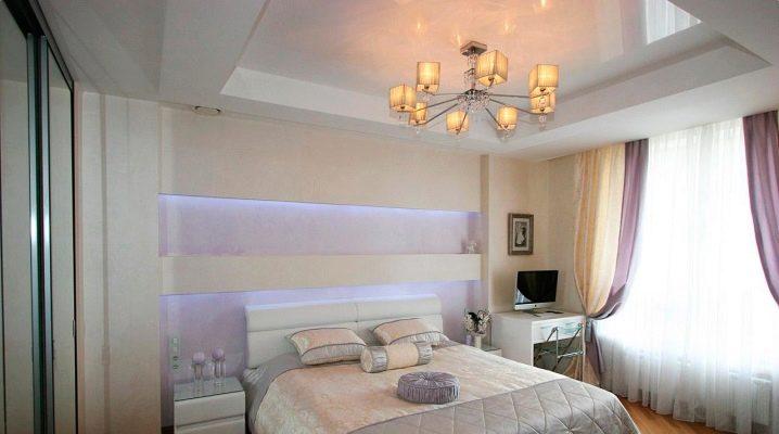 Två nivåer sträckta tak i sovrummets inre