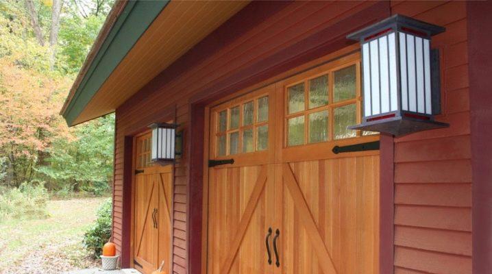 Garage dörrar av trä: fördelar och nackdelar