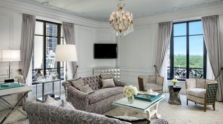 Hur vackert inreda vardagsrummet med två fönster?
