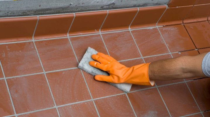How to clean the joints between the tiles on the floor: practical tips