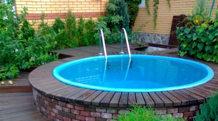 Comment faire une piscine dans le pays avec leurs propres mains?