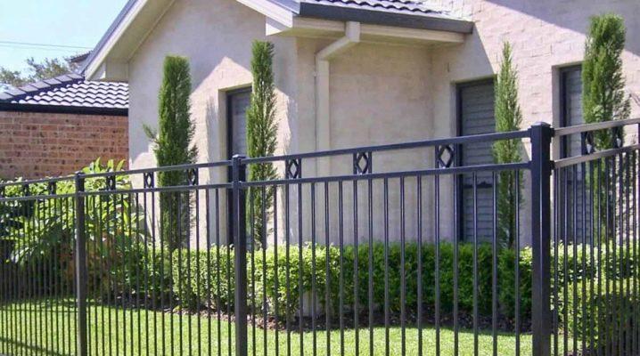 Design egenskaper av metall staket
