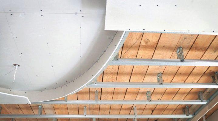 Hur man gör ett tak på gips med egna händer?