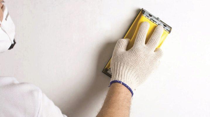 Slipa väggarna efter kitt: Tekniken för reparationsarbetet
