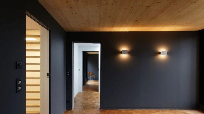 Gipsplattans väggdekoration i ett trähus: installationsarbete