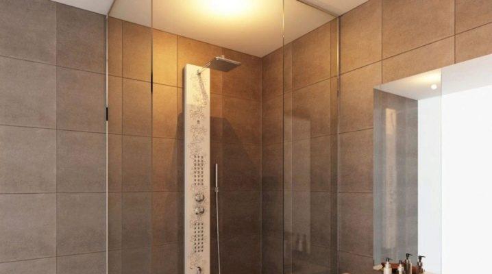 Olika duschpaneler med hydromassage och regndusch