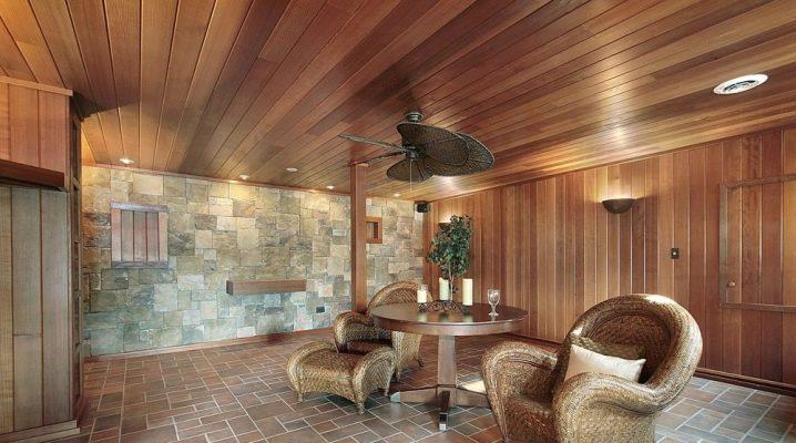 Cedar Foder: Fördelar och nackdelar