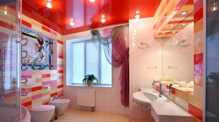 Comment organiser le plafond dans la salle de bain?