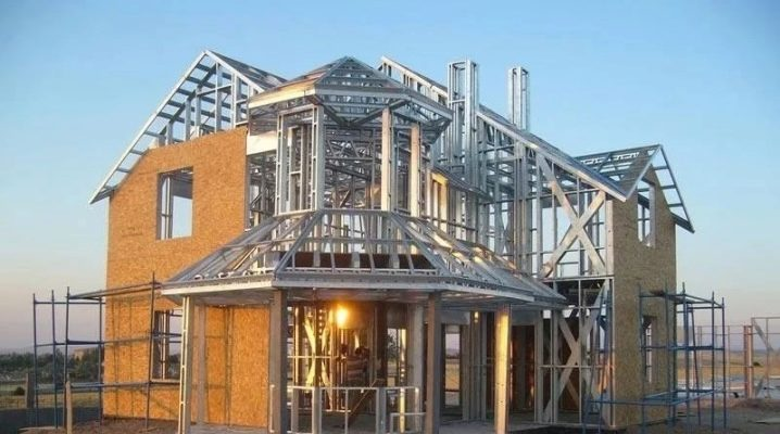 Metallramramhus: fördelar och nackdelar med strukturer