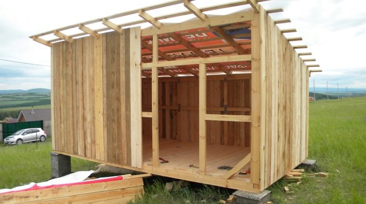 How and from what to build a barn?
