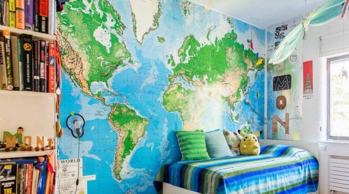 جدار جدارية مع خريطة العالم في الجزء الداخلي من الحضانة