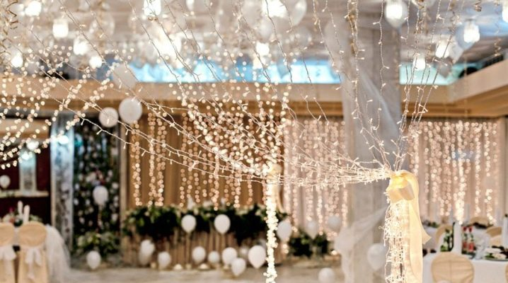 How to make a wedding garland with your own hands?