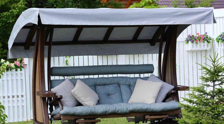 Variétés et conseils pour choisir des couvertures pour les balançoires de jardin