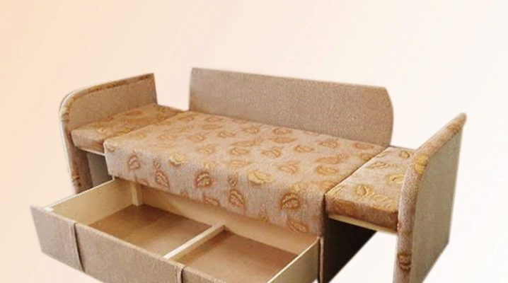 Choosing a children's vykatnaya sofa