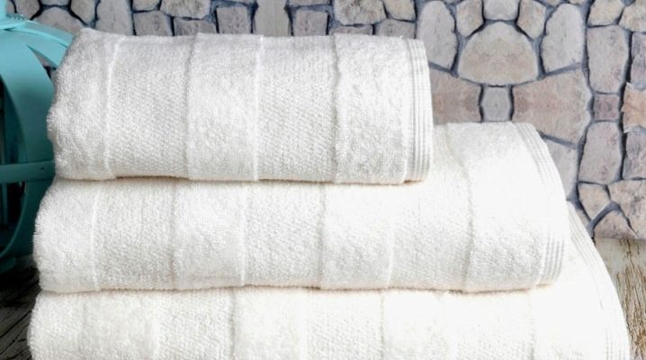 Bath towel: features and tips for choosing