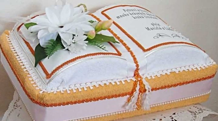 How to make a cake out of towels with your own hands?