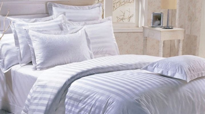 Bed linen from sateen: range and features of the choice