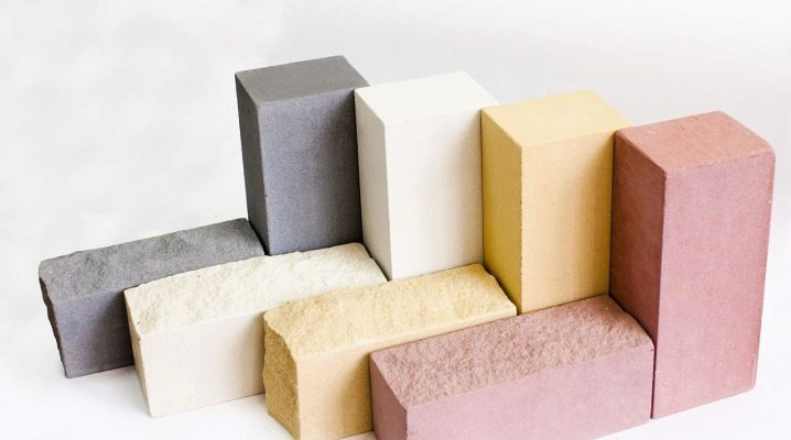 How much does silicate brick weigh?