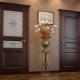 Vad ska man göra först - att installera dörrar eller lägga laminat?