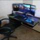 Petit bureau d'ordinateur