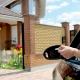 Portes de garage automatiques: caractéristiques et subtilités de choix
