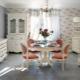 Provence stil vardagsrum: exempel på design