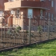 Wrought fences: beautiful design ideas