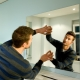 Fäst spegeln på väggen: installationsmetoder
