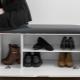 Étagères avec siège dans le couloir: idées modernes