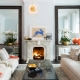 Speglar i vardagsrummet för att expandera utrymmet