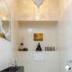 Hyllor på toaletten bak toaletten: original designidéer