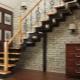 Waar wordt de trap met kronkelende treden van 90 graden gebruikt?