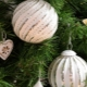 Types and features of glass Christmas balls