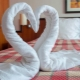How to make a swan from a towel?
