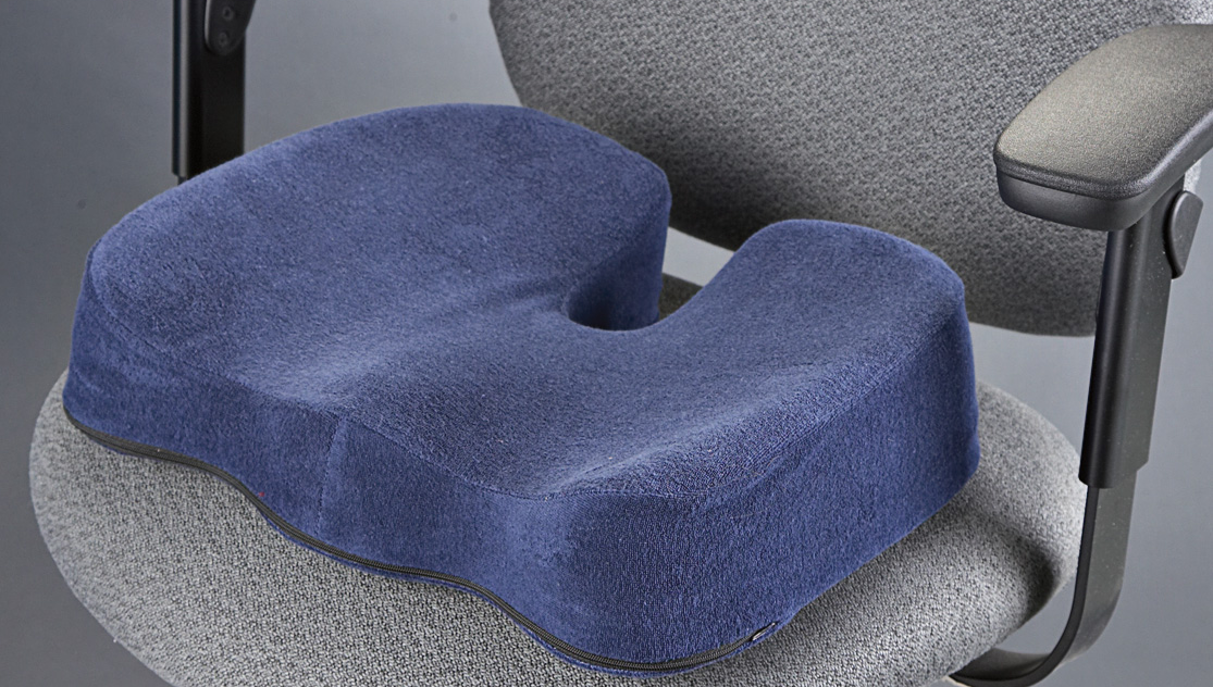 Cuscini Ortopedici Per Sedersi Su Una Sedia Modelli Per Una Sedia Da Ufficio Sotto La Schiena E Per La Colonna Vertebrale