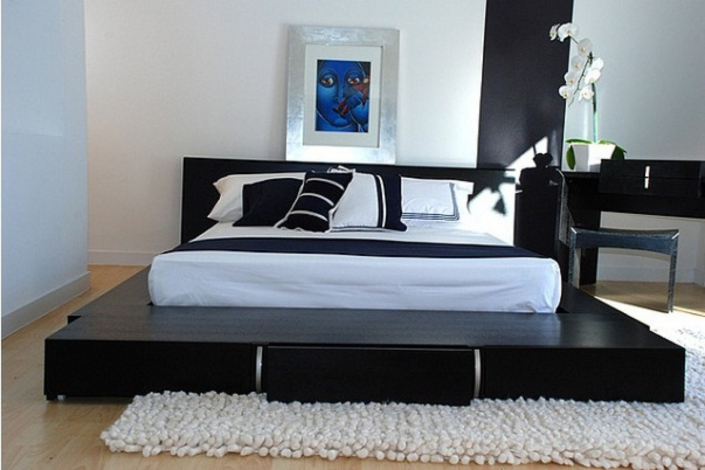 Image of: Japanese Style Bed 27 Photos Features And Rules For Choosing Low Models Without Legs