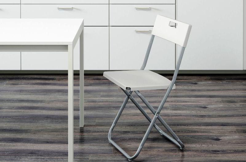 Stoelen Voor Een Ikea Keuken In Het Interieur Houten