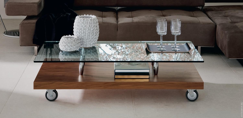 Un Tavolino Con Le Ruote.Tavolini Da Caffe Su Ruote 38 Foto Un Tavolino Ovale