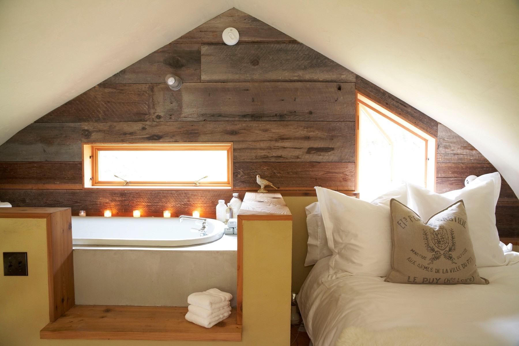 Badruimte van m met een zolder de indeling van het huis