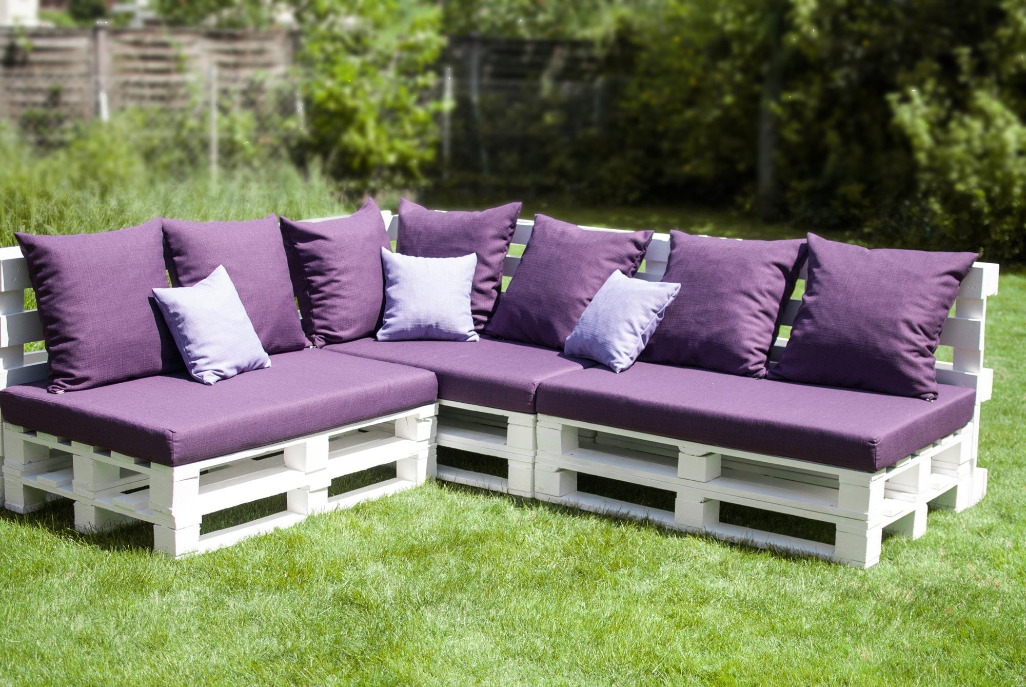 Garden furniture from pallets (8 photos): ideas for summer