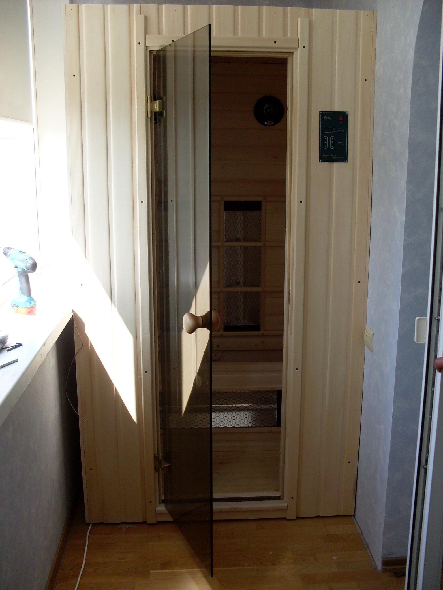 Construire Un Sauna Finlandais sauna sur le balcon (34 photos): comment faire un mini sauna