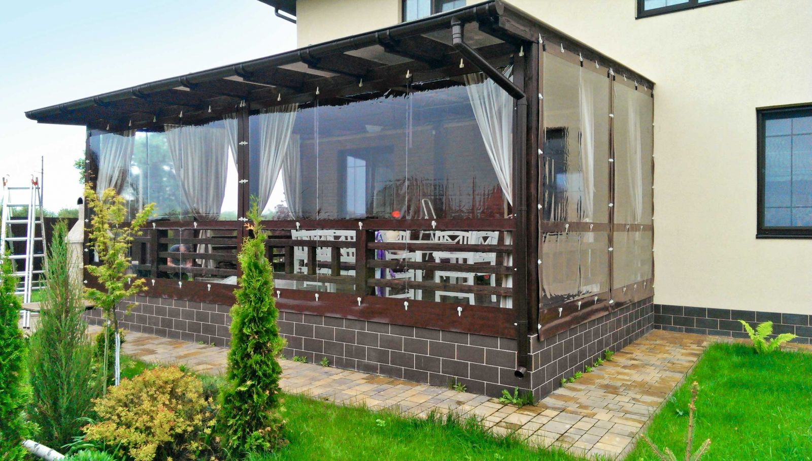 Terrazze Chiuse Con Vetrate veranda in policarbonato: qual è lo spessore minimo del