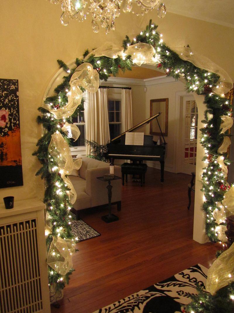 Decorazioni Natalizie Per La Camera come decorare la stanza per il nuovo anno? 75 foto
